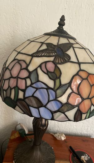 Tiffany style lamp for Sale in Long Beach, CA
