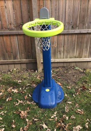 Basketball hoop for Sale in Round Lake, IL