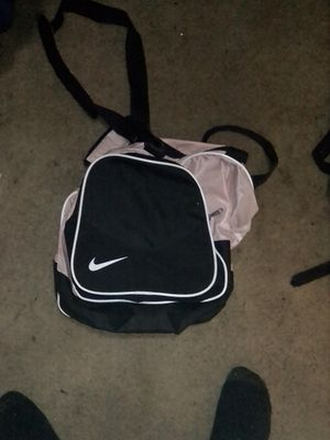 Nike pink duffle bag for Sale in Indianapolis, IN
