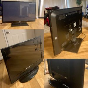 One is 43 inches LED Samsung plasma Tv n 37 inches Apex LCD Tv for Sale in Gresham, OR