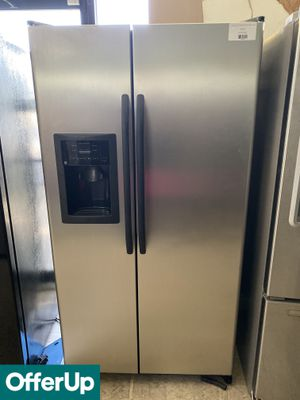 DELIVERY AVAILABLE! GE Refrigerator Fridge Side by Side With Icemaker #803 for Sale in Orlando, FL