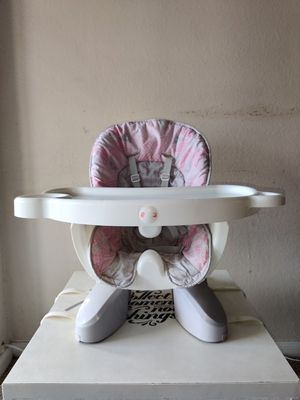 Kids high chair for Sale in Addison, TX