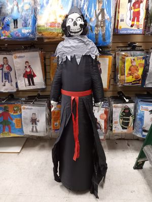 Inflatable Halloween Reaper 4ft for Sale in Los Angeles, CA