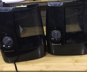 Honeywell , warm mist humidifier for Sale in Chicago, IL