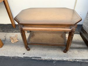 Antique coffee table for Sale in Garden Grove, CA