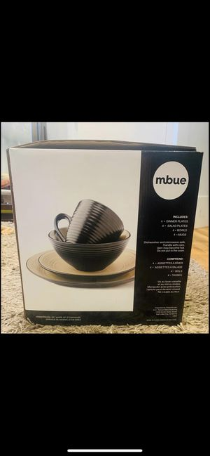 Mbue Stoneware Dinner Set for Sale in The Bronx, NY