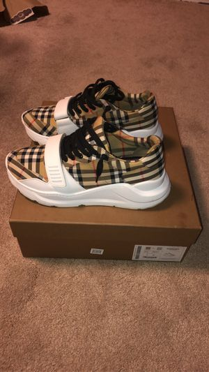 Burberry shoes for Sale in Kent, WA
