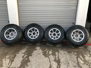 """18"""" chrome rims with tires for Sale in Fort Worth, TX"""