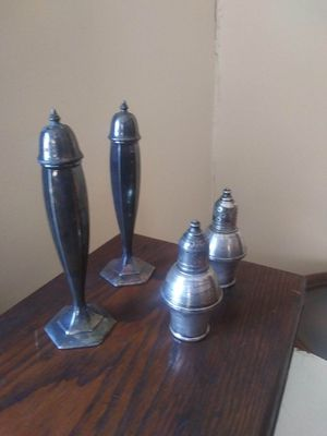 Antique shakers $25 a set for Sale in Belleville, NJ