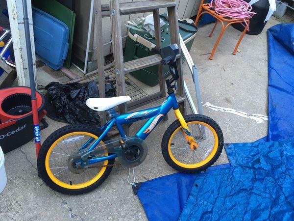 Hotwheel boys bike