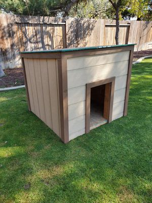 Dog House/ Casa para Perro for Sale in Bakersfield, CA