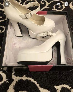 White eden size 7 halloween heels like new for Sale in Slidell, LA