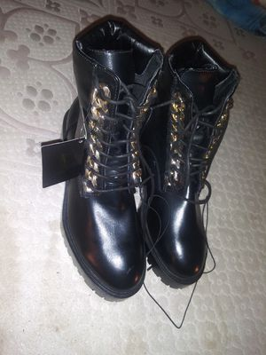 Womens Brand New Boots Shoes Never Worn Black Forever 21 sz 7.5 for Sale in Lauderdale Lakes, FL