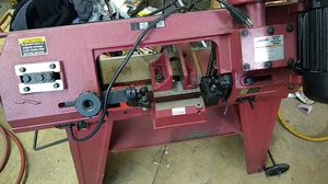 Harbor freight metal cutting band saw. for Sale in Bloomington, IL