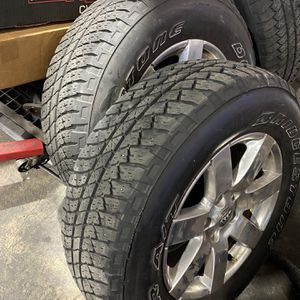 Jeep Wheels Tires Stock Size 255/70R18 for Sale in Miami Springs, FL
