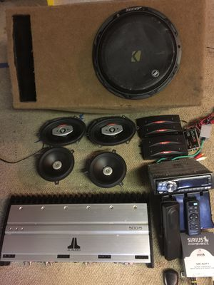 Car audio system 500/5 for Sale in Tampa, FL