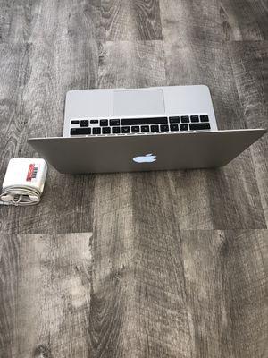 """Apple MacBook Computer Air. 11"""". Mid 2011. 4gb ram. 64 SSD. Sierra OS. 1.6ghz intel i5 64gb for Sale in Lynnwood, WA"""