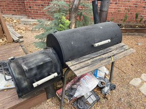 Wood Smoker and BBQ for Sale in Centennial, CO