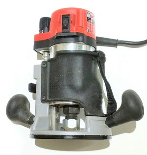Milwaukee 5615-29 Heavy Duty Router 1 3/4 HP w/ Carbide Bits for Sale in Kenmore, WA