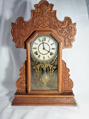Antique Mantle chiming clock for Sale in Issaquah, WA