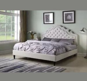 Queen bed frame for Sale in Mercer Island, WA