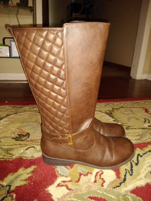 Brand New girls boots size 5 for Sale in Bellevue, NE