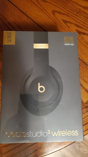 2 Beats studio 3 wireless skyline collection Midnight Black for Sale in Norwich, CT