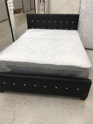 Cama de perlas en leader . Bed, mattress and box for Sale in Miramar, FL