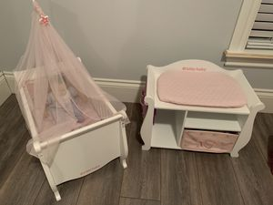 AMERICAN GIRL BITTY BABY SWEET DREAMS CRIB AND CHANGING TABLE WITH BITTY BABY DOLL for Sale in Pembroke Pines, FL