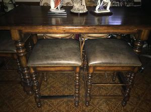 DINING TABLE & 4 STOOLS BAR HEIGHT for Sale in Kansas City, MO