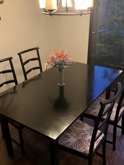 Dining Table & Chairs for Sale in Agoura Hills,  CA