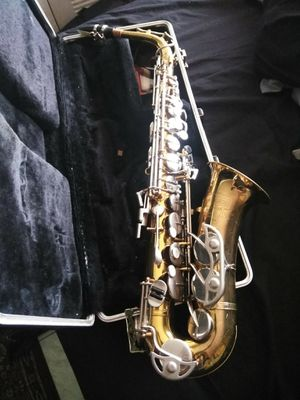 Saxophone bundy 2 with case ! $250 or best offer !! for Sale in Oakland Park, FL