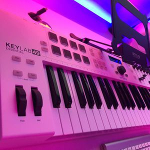 Arturia Keylab Essential 49 Midi Controller for Sale in Missouri City, TX