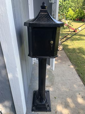 NEW Mailbox - with Key for Sale in Dallas, TX
