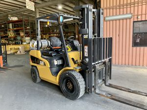 2019 Caterpillar Gas LPG Forklift 6000 lbs for Sale in Miami, FL
