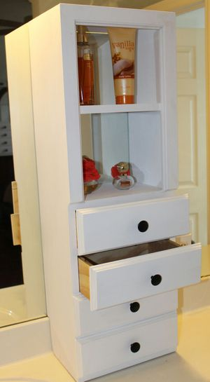 Vanity organizer / makeup organizer for Sale in Miramar, FL