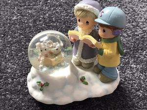 """1999 PRECIOUS MOMENTS ENESCO BUNNY CAROLERS IN A SNOW-GLOBE WITH CHILDREN CAROLERS...""""FREE SHIPPING""""!!! for Sale in Lindenwold, NJ"""