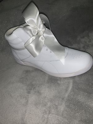 Reebok Classic White Bow Shoe NEW! Never Worn US 8/ UK 5.5 for Sale in New York, NY