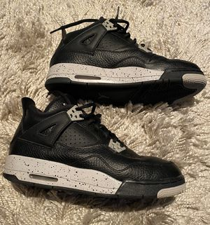 Retro Jordans 4 Oreo size 6y will fit woman's 7 for Sale in Anaheim, CA