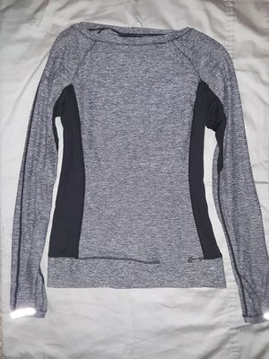 Womens Lululemon Long Sleeve Pullover - Perfect Condition - Size 8/M! for Sale in Woodinville, WA