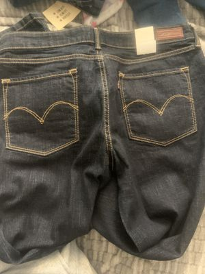Levi's and lucky brand jeans for Sale in San Leandro, CA