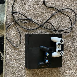 PS4 500gb & 2 Controllers for Sale in Temecula, CA