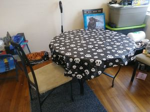 Glass dining room table for Sale in College Park, MD
