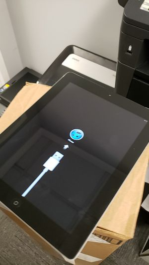Apple iPad 2 32GB, no charger PLEASE READ DESCRIPTION for Sale in Fairfax, VA