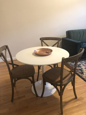 Round white table with 4 Cafton Crossback Chairs for Sale in San Francisco, CA