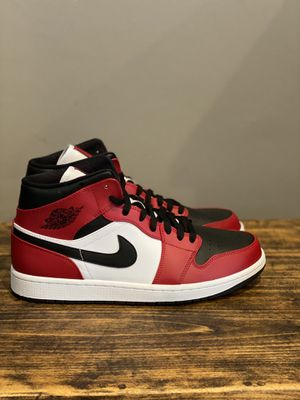 Jordan retro 1-Chicago mid-DS w receipt for Sale in Easton, MA