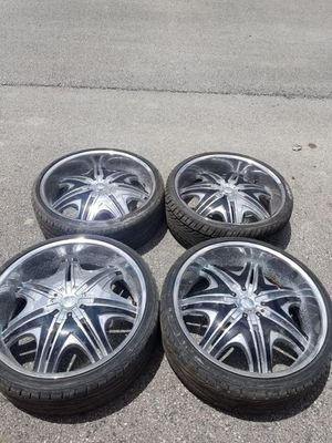 Rims 24 sik 5 lugs for Sale in Davie, FL