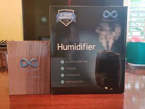 Ultrasonic Cool Mist Humidifier and Oil diffuser. BRAND NEW. PICK UP IN RIVERBANK for Sale in Riverbank, CA