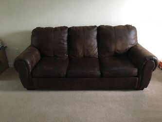 Brown Leather Couch Pull out Bed for Sale in Greensburg,  PA