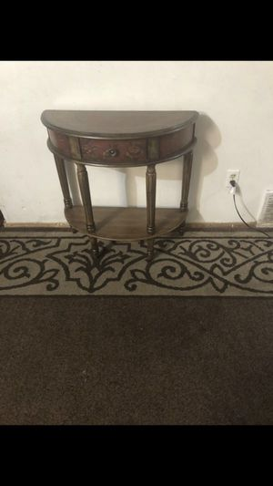 """End table ( 30 """"w 13 """"d 30 """"t ) for Sale in Everett, WA"""